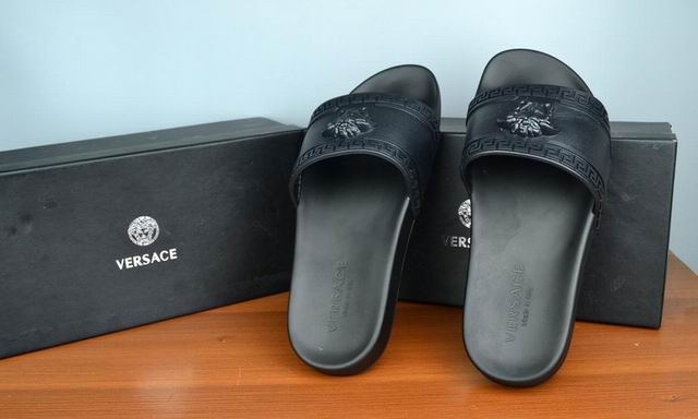 2017 Vsace slippers man 38-46-064